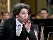 Der 37-jährige Dirigent Gustavo Dudamel soll einen Hollywood-Stern bekommen. (Bild: KEYSTONE/APA/HERBERT NEUBAUER)