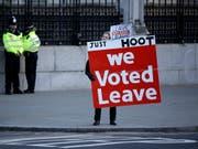 Eine Pro-Brexit-Demonstrantin demonstriert am 8. Januar 2019 in London. (Bild: KEYSTONE/AP/MATT DUNHAM)