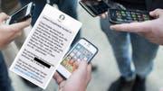 Coop Mobile wirbt nach dem Wechsel zu Swisscom um bisherige Kunden, die bei Salt bleiben, wenn sie nichts unternehmen. Bild: Keystone/Montage: CH Media.