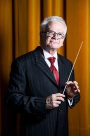 Den Taktstock fest im Griff: Guido Schwalt ist schon mehr als sein halbes Leben lang Dirigent bei der Stadtmusik Rorschach. (Bild: Mareycke Frehner)