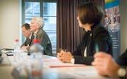 Medienkonferenz vom 18. Januar 2018: Kantonsarchäologe Hansjörg Brem, Kantonsbibliothekar Bernhard Bertelmann und Regierungsrätin Monika Knill informieren über den den den Abschluss des Nachlassverfahrens Walter Enggist. (Bild: Andrea Stalder)
