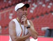 Alberto Salazar ist ein in der Leichtathletik-Szene seit Jahren umstrittener Lauftrainer. (Bild: Kin Cheung/AP, Peking, 21.8.2015)