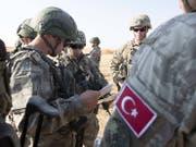 Nach dem Abzug von US-Soldaten hat die türkische Armee freie Bahn. (Bild: Keystone)