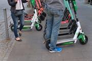 E-Scooter gehören in vielen Grossstädten mittlerweile zum Alltag – so auch in der Schweiz etwa in Basel oder Zürich. (Bild: Imago Images)