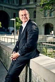 Gewohnt gelassen: Martin Landolt während der Herbstsession vor dem Bundeshaus. (Bild: Colin Frei, 11. September 2019)