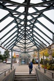 Die Glasdaächer an der Bushaltestelle St.Fiden.