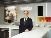«Diese Transaktion ist für uns phantastisch»: Sunrise-Präsident Peter Kurer verteidigt den geplanten, umstrittenen Kauf des Kabelnetzbetreibers UPC. (Bild: KEYSTONE/CHRISTIAN BEUTLER)