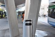 Beim neuen Bushof auf dem Bahnhofplatz ist das Rauchen noch erlaubt.