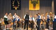Der Musikverein Bauen spielt am 2. November sein letztes Konzert mit Dirigent Heini Iten. (Bild: PD/Georg Kein)