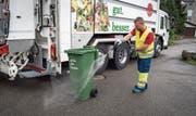 Die Entsorgung St.Gallen bietet einen Reinigungsservice an – als einzige in der Schweiz.Bild: Ralph Ribi (27. Juli 2017)