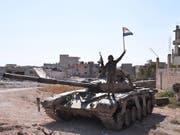 Ein Soldat der syrischen Armee in der Nähe von Idlib im Nordwesten Syriens. (Bild: KEYSTONE/EPA/STR)