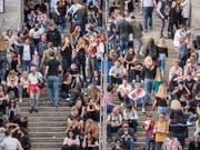 Die Menschenmassen an der Olma sind nichts für Klaustrophobiker. (Bild: Hanspeter Schiess)