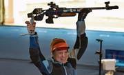 Eines der Highlights für Nina Christen: Die Nidwaldnerin erringt in Indien ihren ersten Weltcupsieg mit dem Kleinkaliber-Gewehr. Bild: Getty Images (Neu Delhi, 26. Februar 2019)