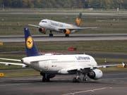 Gewerkschaft UFO ruft zu Streik bei Lufthansa am Sonntag auf. (Bild: KEYSTONE/EPA/FRIEDEMANN VOGEL)