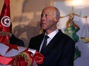 Ein parteiloser Professor der Rechte wird neuer Staatschef in Tunesien: Kaïs Saïed. (Bild: KEYSTONE/EPA/MOHAMED MESSARA)