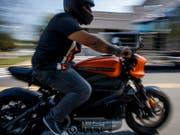 Angeblich Probleme mit der Batterie: Harley-Davidson stoppte die Produktion seines Elektromotorrads «LiveWire» vorläufig. (Bild: KEYSTONE/EPA/SHAWN THEW)