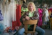 80 Kostüme hat Livia Rita für eine Performance in London entworfen. Einen Teil davon hat sie in ihr neues Atelier in Nesslau gebracht.