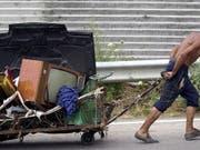 Szene aus der bulgarischen Stadt Kustendil - in Bulgarien gelten 32,8 Prozent der Bevölkerung als arm. (Bild: Keystone/EPA/VASSIL DONEV)