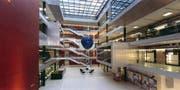 Blick ins Hauptgebäude des Wasserforschungsinstitut des ETH-Bereichs (Eawag). (Bild: Keystone)