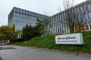 Der J&J-Campus an der Gubelstrasse in Zug. Hier will Médecins Sans Frontières am Donnerstagmittag gegen die Preispolitik des Pharmakonzerns protestieren. (Bild: Jan Pegoraro, 15. Oktober 2019)