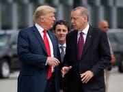«Seien Sie kein Narr!»: US-Präsident Donald Trump warnte den türkischen Präsidenten Recep Tayyip Erdogan in einem Brief vor einem Einmarsch in Nordsyrien. (Bild: KEYSTONE/AP/PABLO MARTINEZ MONSIVAIS)