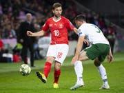 Admir Mehmedi zog sich im EM-Qualifikationsspiels der Schweiz gegen Irland (2:0) einen Muskelfaserriss im hinteren rechten Oberschenkel zu und fällt auf unbestimmte Zeit aus (Bild: KEYSTONE/JEAN-CHRISTOPHE BOTT)