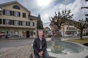 Gemeindepräsident Franz Zemp im Dorfzentrum. (Bild: Pius Amrein, 27. März 2018)