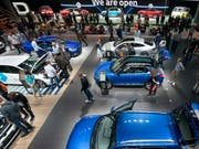 Auf dem europäischen Automarkt zeichnet sich eine sachte Erholung ab. (Bild: KEYSTONE/EPA/RONALD WITTEK)