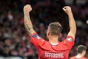 Haris Seferovic jubelt in Genf nach seinem 1:0. (Bild: Urs Lindt/Freshfocus)