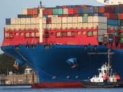 Die Schweizer Exportwirtschaft hat im September wieder zugelegt, nachdem die Ausfuhren in den beiden Vormonaten rückläufig gewesen waren. (Bild: KEYSTONE/EPA/FOCKE STRANGMANN)