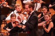 Joseph Sieber hat die musikalische Leitung des Orchesters inne. (Bild: Thomas Krähenbühl)