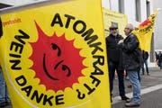 Gegen die Kernkraft wurde in den letzten Jahren oft demonstriert - so wie hier in Brugg im März 2018. Dieses Wochenende wollen jedoch die Befürworter auf die Strasse gehen. (Bild: Keystone)