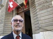 Der Vizepräsident von Exit Schweiz Romandie, Pierre Beck, ist am Donnerstag vom Genfer Polizeigericht zu einer bedingten Geldstrafe von 120 Tagessätzen verurteilt worden. (Bild: KEYSTONE/SALVATORE DI NOLFI)