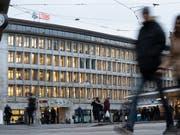 UBS zahlt weitere Busse in Italien (Bild: KEYSTONE/GAETAN BALLY)