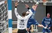 Einer der jungen Wilden im HC Kriens-Luzern: Ammar Idrizi traf gegen Suhr dreimal. Bild: Boris Bürgisser (Kriens, 20. Oktober 2019)
