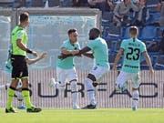 Inters Argentinier Lautaro Martinez (links) freut sich mit seinen Mitspielern über das frühe 1:0 (Bild: KEYSTONE/EPA ANSA/ELISABETTA BARACCHI)