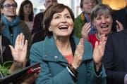 Grünen-Präsidentin Regula Rytz konnte sich am Wahlsonntag alle paar Minuten über eine Erfolgsmeldung freuen. (Bild: Peter Schneider, Keystone)