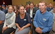 Strahlende Gesichter der drei besten Lehrabsolventen (von links): Lea Fischer, Myriam Bucher und Marco Niederberger. (Bilder: Robert Hess, Alpnach, 18. Oktober 2019)