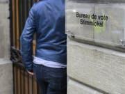 Die Wahlbeteiligung am Sonntag ist gegenüber vor vier Jahren in allen Kantonen gesunken - mit Ausnahme des Kantons Appenzell-Innerrhoden. (Bild: Keystone/JEAN-CHRISTOPHE BOTT)