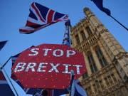 Die EU muss nach dem Entscheid des britischen Unterhauses am Dienstagabend nun über eine dritte Brexit-Verlängerung entscheiden. (Bild: KEYSTONE/EPA/ANDY RAIN)