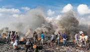 Die Arbeits- und Lebensumstände auf der Elektroschrott-Deponie Agbogbloshie sind Gegenstand des Dokumentarfilms «Welcome to Sodom». St.Galler Premiere hat der Streifen am Freitag in der Lokremise. (Bild: PD)