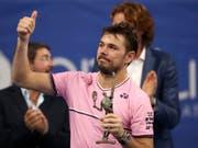 Daumen hoch: Obwohl er den Final beim ATP-Turnier in Antwerpen gegen Andy Murray auf ärgerliche Weise verlor, zeigt sich Stan Wawrinka mit seiner Form vor dem ersten Auftritt bei den Swiss Indoors zufrieden (Bild: KEYSTONE/AP/FRANCISCO SECO)