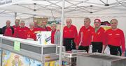 Die Helfenden des SC Horw sorgen seit dem ersten Marathon für feine Grilladen.