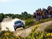 Der Este Ott Tänak begeistert in seinem Toyota auch die Zuschauer in Katalonien. (Bild: KEYSTONE/EPA REPORTER IMAGES)