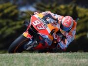 Derzeit in der MotoGP eine Klasse für sich: Marc Marquez auf der Honda (Bild: KEYSTONE/AP/ANDY BROWNBILL)