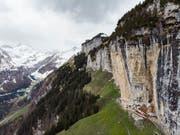 Auf der Wanderung vom Aescher in Richtung Chobel im Kanton Appenzell-Innerrhoden ist am Samstagnachmittag ein Wanderer zu Tode gestürzt. (Bild: KEYSTONE/GIAN EHRENZELLER)
