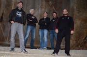 Bruno Bomatter, Serge Mattli, Pascal Trutmann, Remo Poletti und Roman Wettstein (von links) bilden die Band Shadow's Far. (Bild: PD)