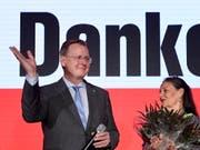 Historischer Sieg für Bodo Ramelow in Thüringen - die Linke kommt bei der Landtagswahl am Sonntag auf 31,0 Prozent der Stimmen. (Bild: KEYSTONE/EPA/JENS SCHLUETER)