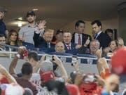 Nicht alle Fans am Baseball-Finalspiel zwischen den Washington Nationals und den Houston Astros begrüssten US-Präsident Donald Trump und First Lady Melania Trump so herzlich. (Bild: Keystone/EPA SIPA POOL/CHRIS KLEPONIS / POOL)