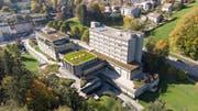 Das Gewerbliche Berufs- und Weiterbildungszentrum (GBS) an der Demutstrasse in St.Gallen. Am 17. November wird an der Abstimmungsurne darüber entschieden, ob die Anlage für 111 Millionen Franken saniert und erweitert werden soll. (Bild: Ralph Ribi - 14. Oktober 2019)